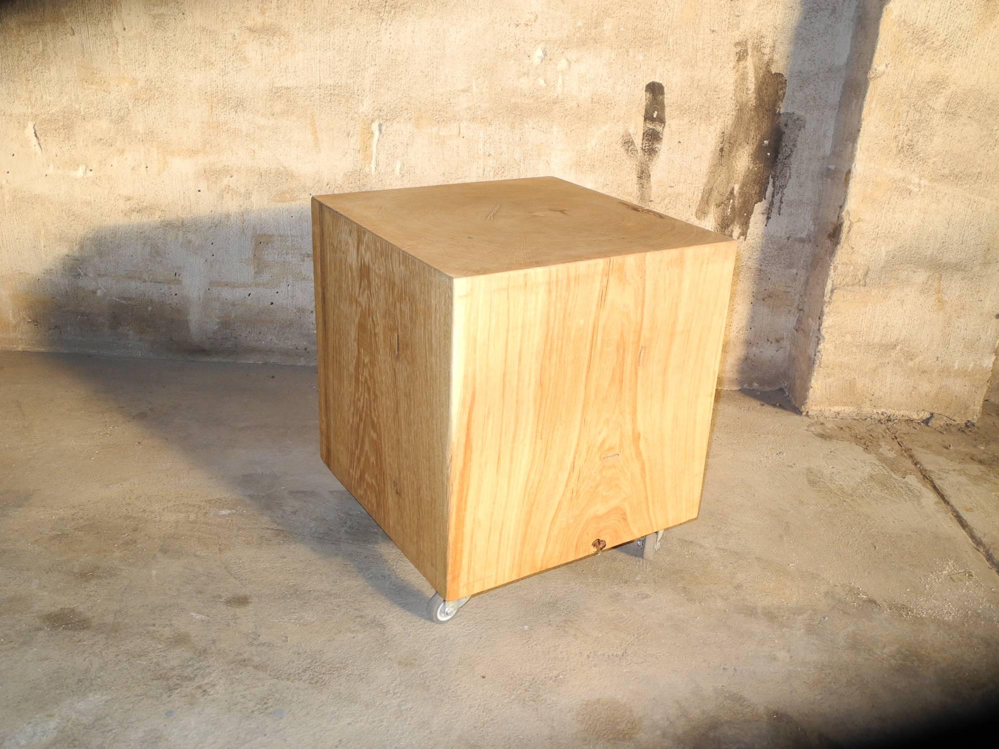 massiver eichen holzhocker. Black Bedroom Furniture Sets. Home Design Ideas