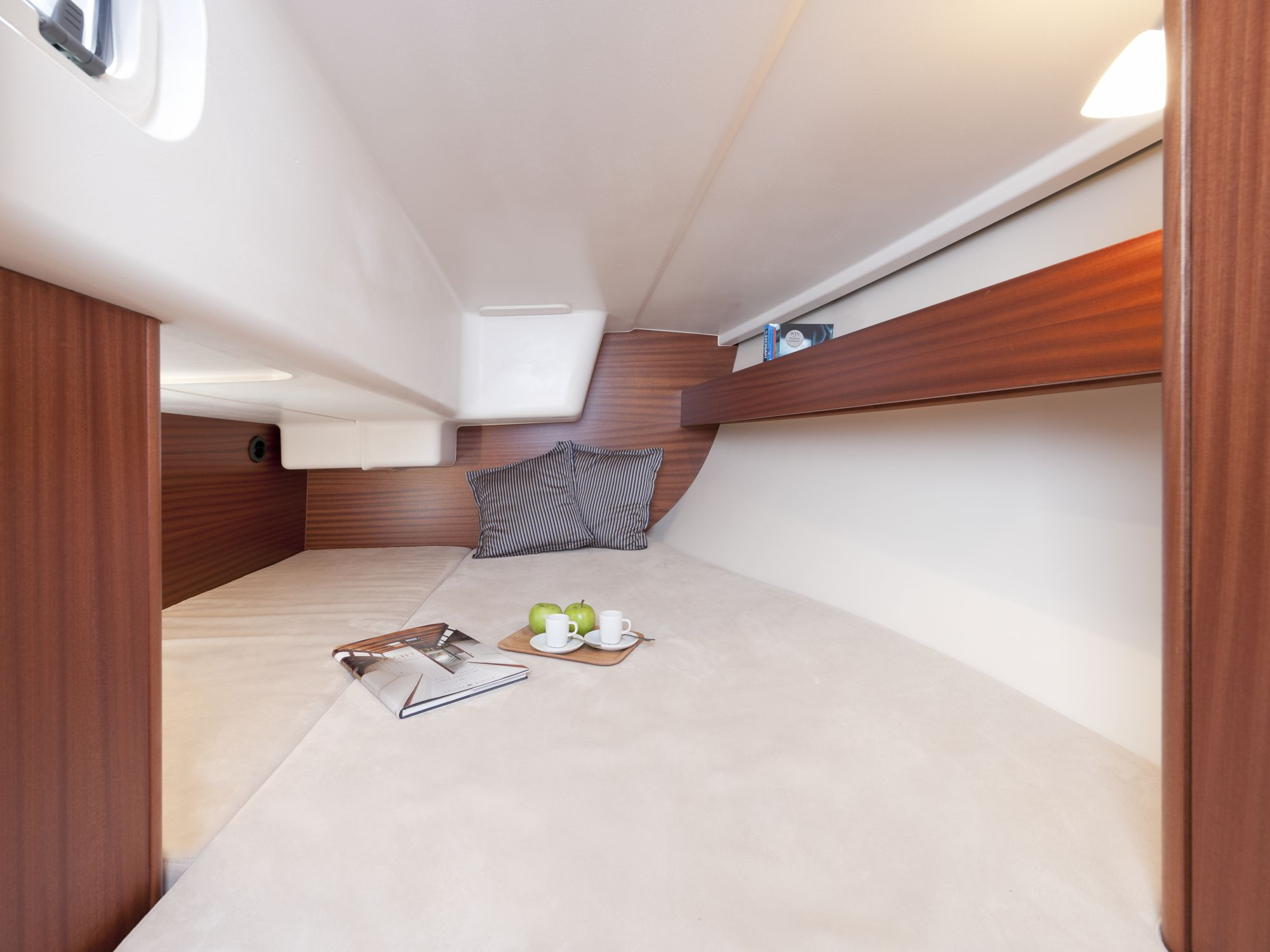 Boat Sailboats 30 ft - 35 ft Interior