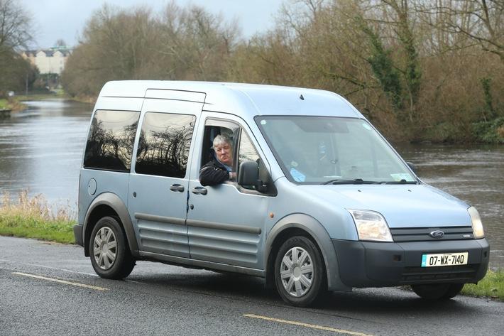 Eine Million Kilometer ohne Probleme: Taxifahrer aus Irland vertraut auch weiterhin seinem Ford Tourneo Connect /