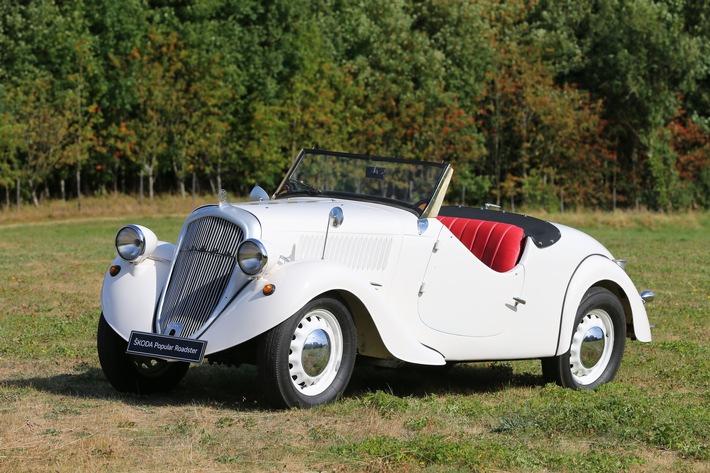 Der 81 Jahre alte SKODA POPULAR ROADSTER von 1937 wird bei der Hamburg-Berlin-Klassik von SKODA Markenbotschafter Matthias Kahle pilotiert.