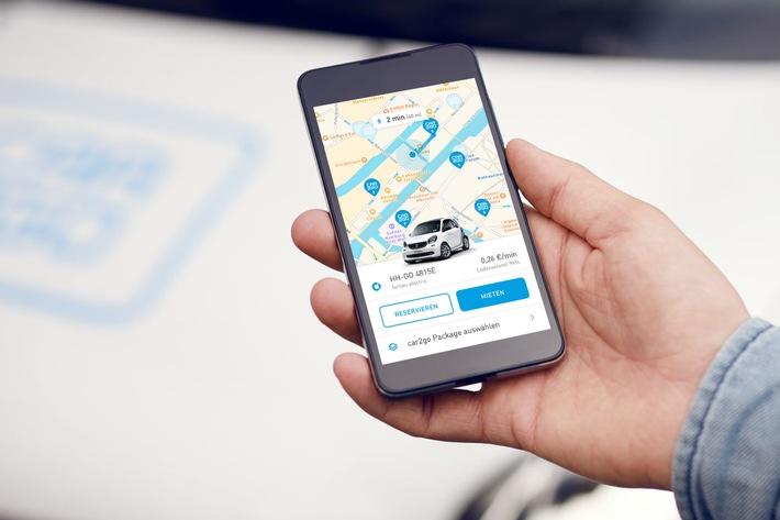 Elektro-Pilot: car2go ergänzt seine Hamburger Flotte um fünf elektrische smart EQ. 15 neue Mercedes-Benz A-Klassen komplettieren das Angebot.