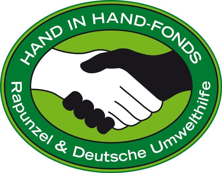 Zusammenarbeit Deutsche Umwelthilfe und Rapunzel: HAND IN HAND-Fonds für öko-soziale Projekte weltweit / Rapunzel und Deutsche Umwelthilfe (DUH) arbeiten seit 20 Jahren im HAND IN HAND-Fonds zur Förderung öko-sozialer Projekte weltweit erfolgreich zusammen.