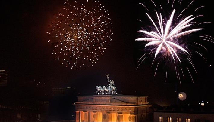 Highlights sind auch dieses Jahr die Live-Schalten ans Brandenburger Tor in Berlin inklusive Silvester-Countdown.