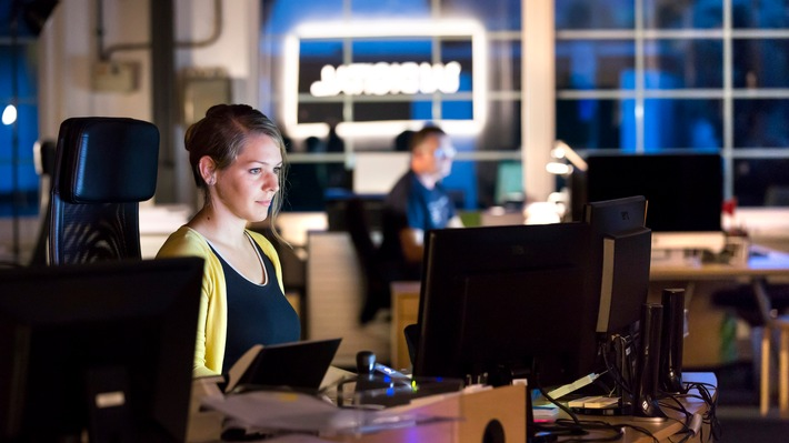 Versetzte Arbeitszeiten, wie Nachtarbeit, bergen Risiken für die Gesundheit und die sozialen Beziehungen.